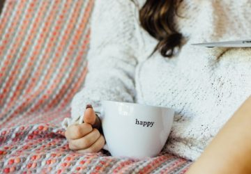 If you often feel anxious or find yourself overcome with worry, try this simple mindset shift to help you feel a little calmer.