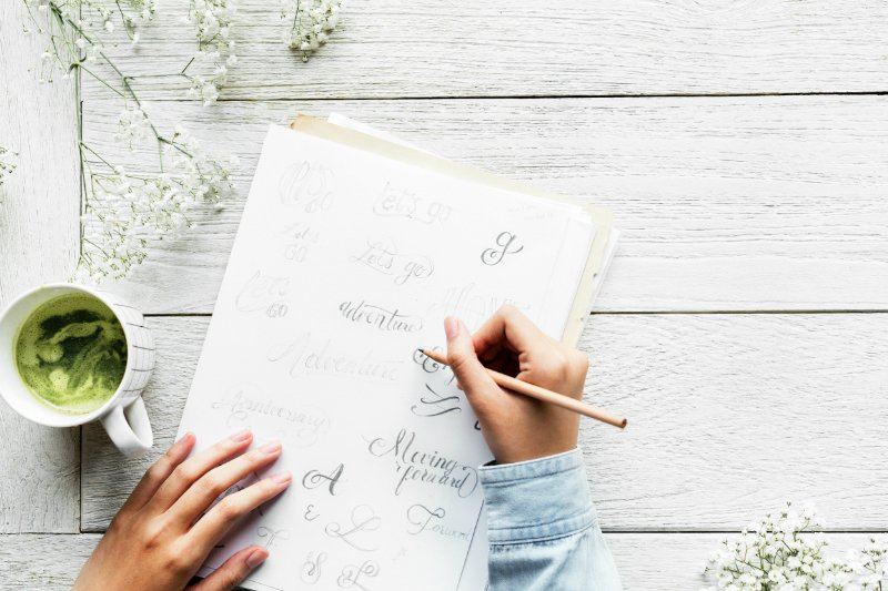Want to have a less stressful week? Sunday is the perfect day to hit the reset button, get organized, and start your week on the right foot. Here are 20 Easy Ways To Prepare For The Week On Sunday!