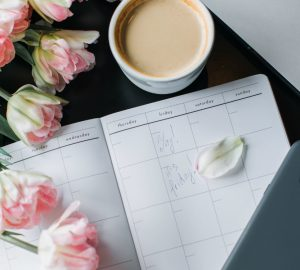 Are you struggling to stay on top of everything in your life? Here are 5 simple tips to help you organize your life and clear your mind so you can be more productive!