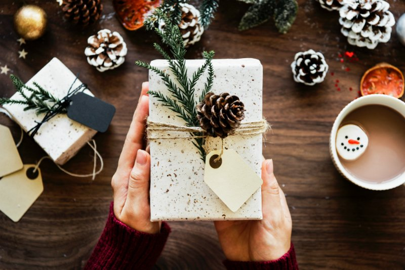 If we want to enjoy the holidays, we have to slow down and savor them. Here are five tips to help you stay present during the holiday season!
